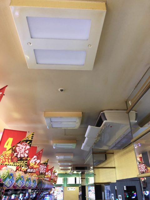 東京都北区店舗様天井照明器具交換工事