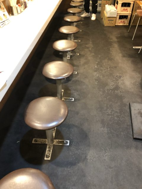 埼玉県さいたま市店舗固定椅子移動工事